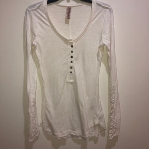 Free People Small, Ivory Long Sleeve Lace Cuff